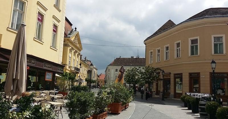 Onde Ficar em Budapeste na Hungria: nas proximidades de Belváros e Lipótváros