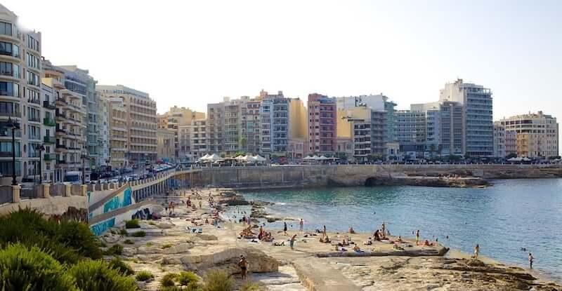 Onde Ficar em Sliema em Malta: Próximo a Praia